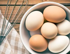 Сколько могут храниться вареные яйца и как правильно их хранить