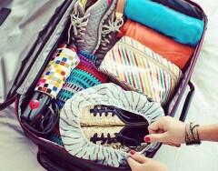 Как компактно сложить вещи в дорогу: 7 лучших лайфхаков от стюардесс