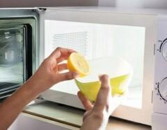 8 способов быстро отмыть микроволновку от жира без химии