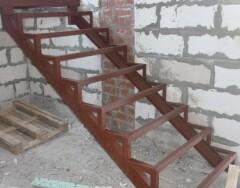 Как сделать металлическую лестницу на второй этаж: изготовление и монтаж своими руками