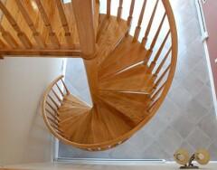 Как сделать винтовую лестницу на второй этаж своими руками: деревянную и металлическую