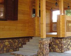 Варианты крыльца деревянного дома: идеи дизайна