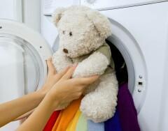 7 вещей, которые можно и нужно стирать в стиральной машине