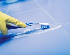 Выбросить успеем: 12 неожиданных вариантов применения зубной щетки