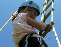 Выбираем веревочную лестницу для детей: советы и рекомендации