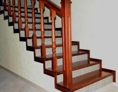 Чем отделать лестницу в доме: советы и рекомендации