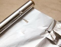 На что способна алюминиевая фольга: 10 полезных приемов, которые пригодятся в хозяйстве