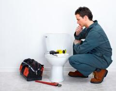 5 причин, почему подтекает бачок унитаза и как их исправить без сантехника