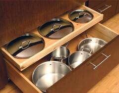 """И никакого грохота посуды: 5 идей для """"тихого"""" хранения крышек на кухне"""