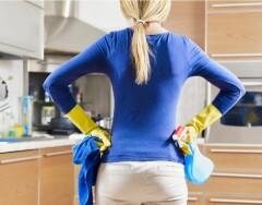Забрызгали плитку на кухне жиром — не беда: как отмыть кухонный фартук, чтобы он сиял