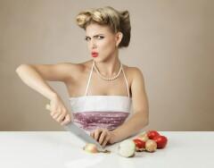Не только на кухне: как лук может помочь справиться с проблемами в быту