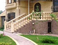 Входные лестницы в частных домах: виды и особенности конструкций
