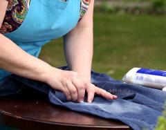 Как отстирать траву с джинсов и сэкономить на покупке новых