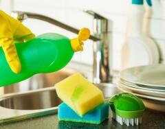 Необычные способы использования моющего средства для посуды в быту