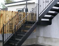 Уличная лестница на второй этаж: виды и особенности конструкций