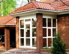 Какой вариант крыльца выбрать для частного дома: полезные советы