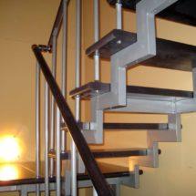 Лестница с металлической основой